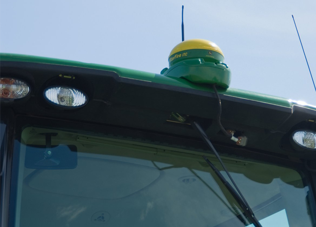 AMS: John Deere iSteer for implements